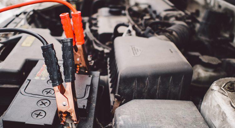 comment recharger la batterie d'une voiture avec une autre voiture